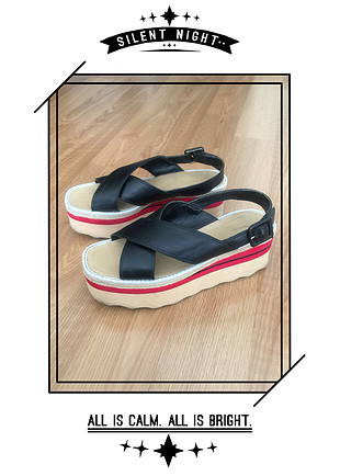 Dolgu sandalet