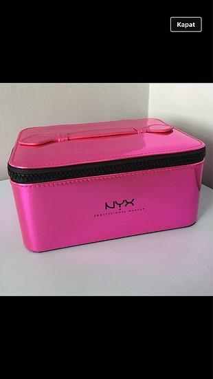 Nyx makyaj çantası