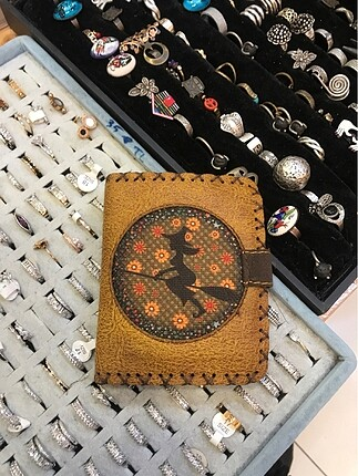Cadı cüzdan