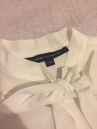 s Beden Yaka kısmı flarlı gömlek
