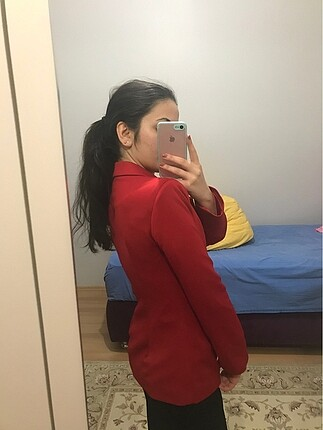 Diğer Kırmızı Ceket