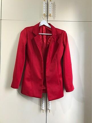 s Beden Kırmızı Ceket