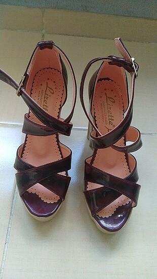 Borda yazlık ayakkabı