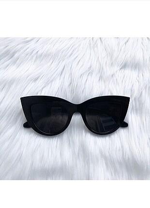 Dünyaca ünlü victoria secretin taktiği gözlük efsanee