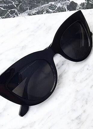 H&M Dünyaca ünlü victoria secretin taktiği gözlük efsanee