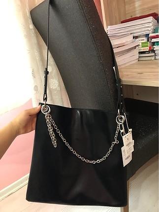 Bershka siyah zincirli tote çanta