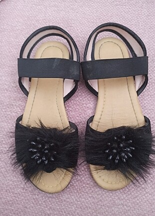 Çok şık tüğlü sandalet
