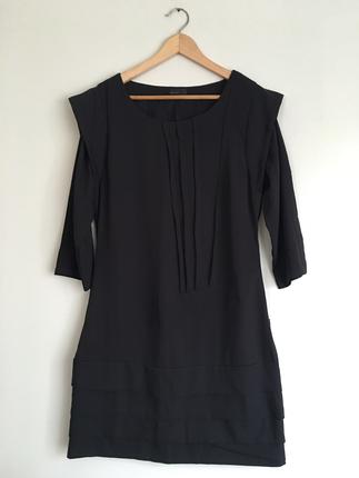 Veromoda siyah pilili elbise