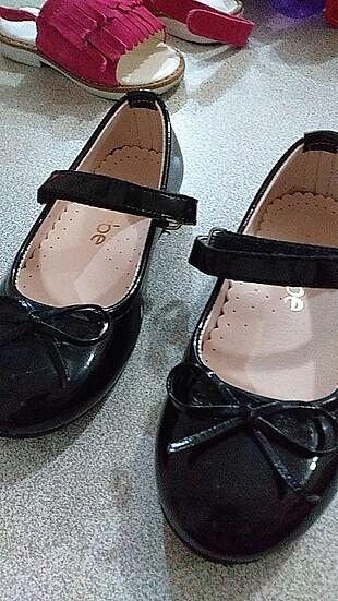 Nubebe siyah sandalet ayakkabi