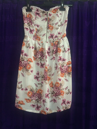 Straplez çiçekli elbise