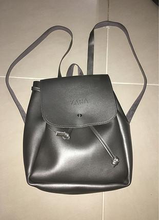 Zara metalik sırt çantası