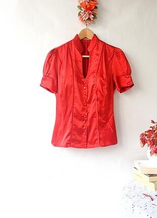 Petit Marka Kırmızı Saten Gömlek