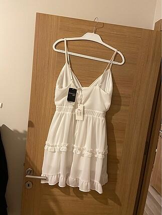 Agatha Etiketi üzerinde elbise temizdir kullanılmamıştır