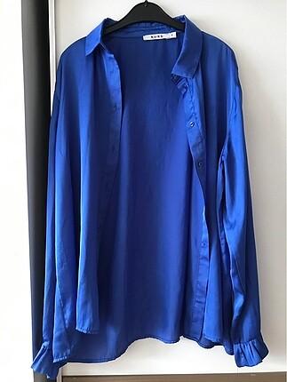 Saks mavisi saten gömlek