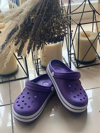 Crocs model