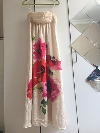 Mango çiçekli elbise