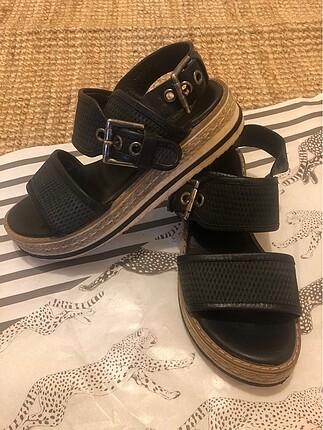 Derimod sandalet