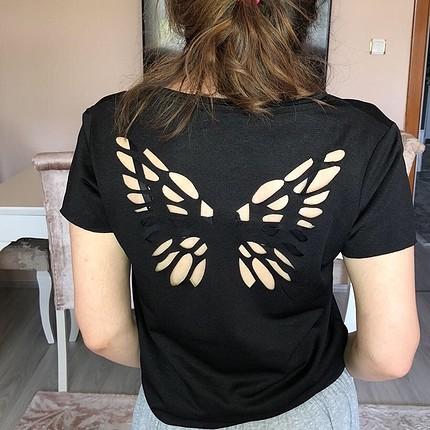 Sırt detaylı tshirt