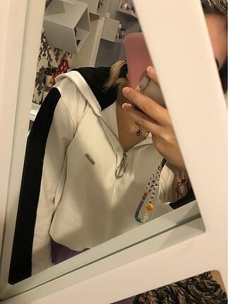 Şapkalı sweatshirt