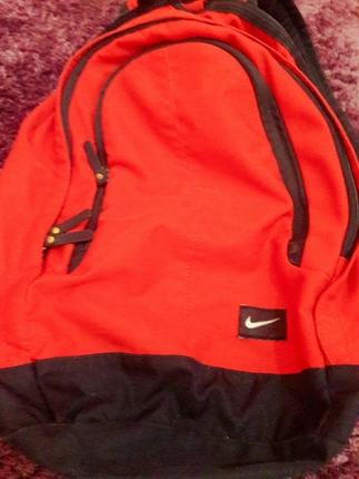 cacbc25a90ac7 Kırmızı Nike Orjinal Sırt Çantası Nike Sırt Çantası %62 İndirimli ...