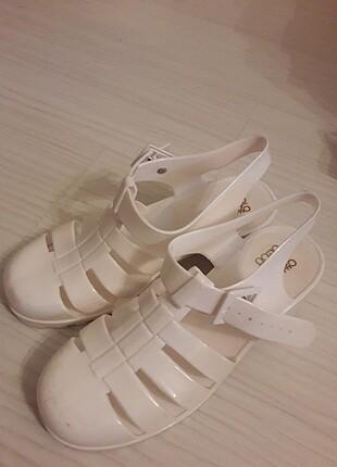 Yazlık dolgu topuk ayakkabi