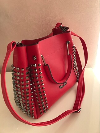 Kırmızı içi küçük çantalı orta boy tote çanta