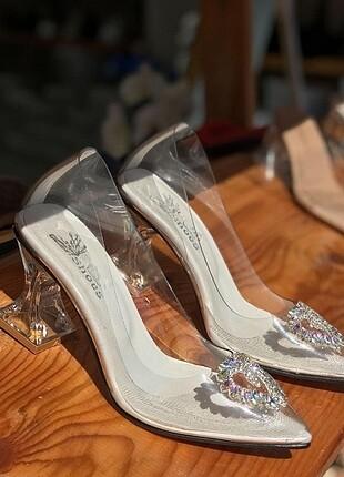 Şeffaf taşlı topuklu ayakkabı tüm
