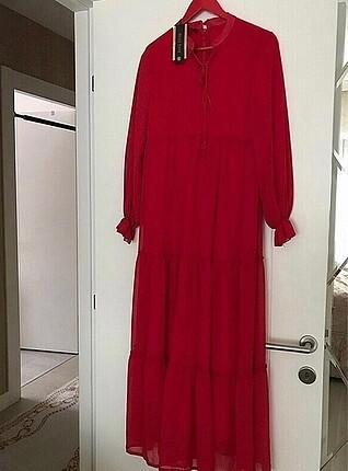 Kırmızı yazlık uzun elbise