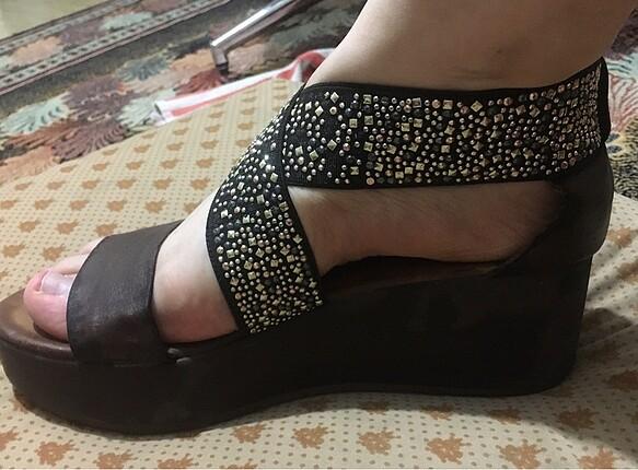 Dolgu topuk Taşlı Ayakkabı