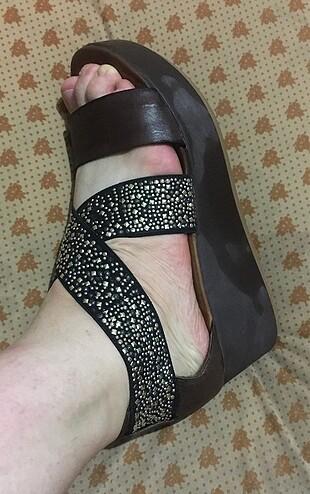 41 Beden Dolgu topuk Taşlı Ayakkabı