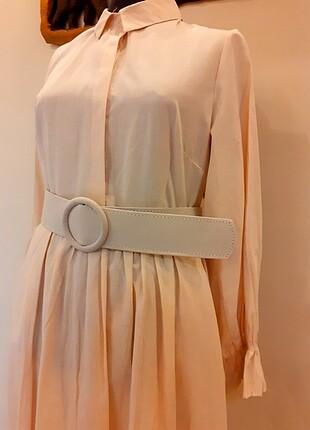 Krem elbise