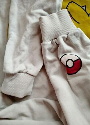 Pikachu baskılı sweatshirt