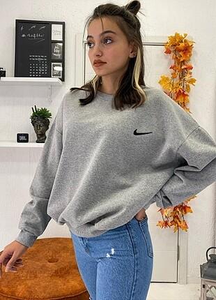 Nike Logo Detay Sweatshirt