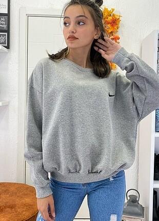 m Beden Nike Logo Detay Sweatshirt