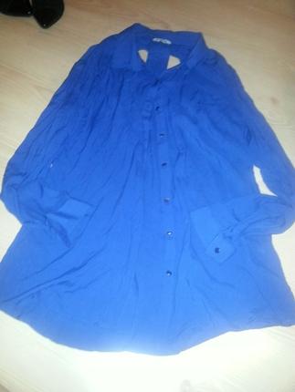 mavi sırtı açık detaylı gömlek 40 beden