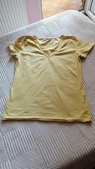 T-shirt sarı