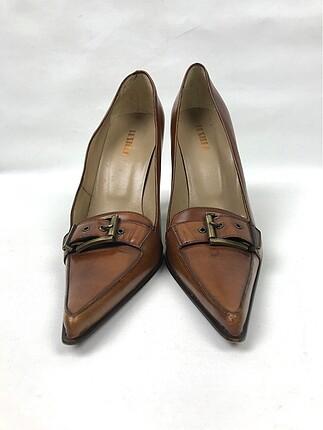 Sivr Burun Topuklu Ayakkabı