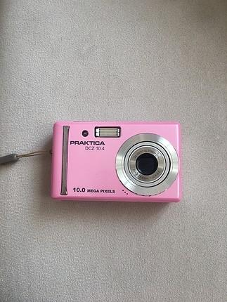 Dijital fotoğraf makinesi
