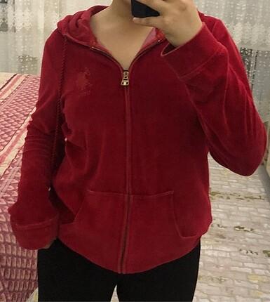 Kırmızı hırka