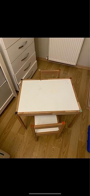 Ahşap masa ve sandalye seti