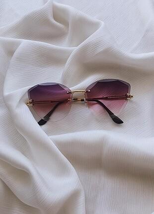 Günes gözlüğü