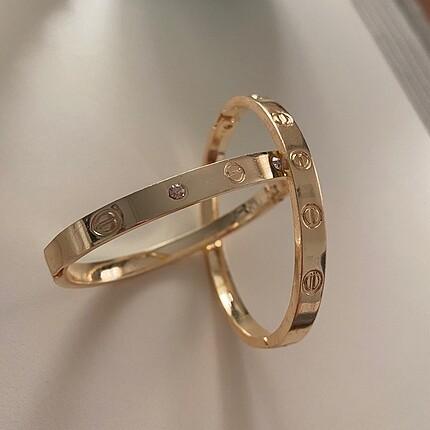 Cartier kelepçe