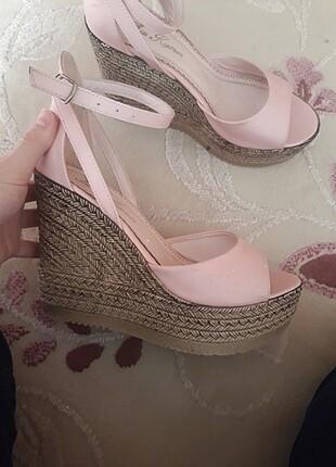 Toz pembe dolgu topuklu ayakkabı