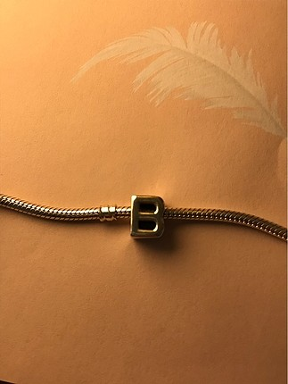 Pandora gümüş B harfi charm