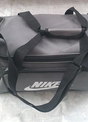 Nike Seyahat ve Spor Çantası