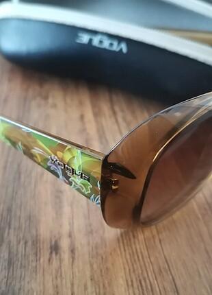 Yeni kullanılmamış gözlük