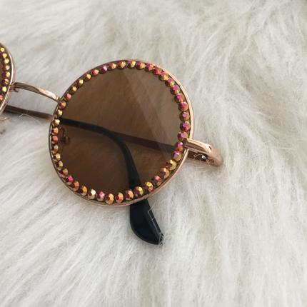 Taşlı gözlük