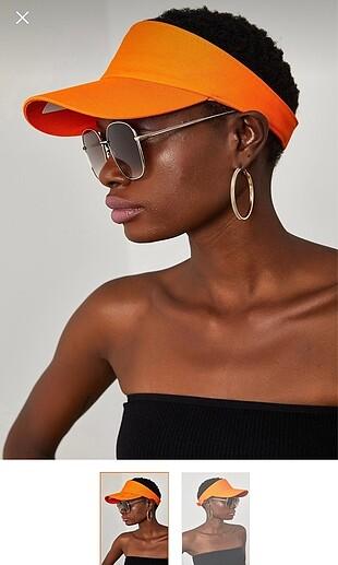 Tenis şapka