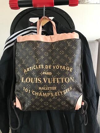 Louıs vuıtton sırt çantası yenidir