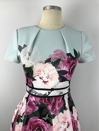 36 Beden Renkli Tasarım Elbise